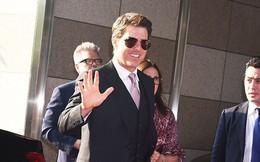 Phong độ ngời ngời trước công chúng nhưng Tom Cruise lại... quên kéo khóa quần