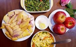 Nấu mâm cơm 3 món mà vẫn bị mẹ chồng chê, nàng dâu mới nhận được loạt góp ý từ chị em