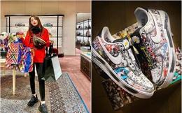 """Kỳ Duyên sắm đôi sneakers hoa cúc chục triệu: Mừng rớt nước mắt nhưng chỉ mong nó """"cũ nhanh lên cho tôi nhờ"""""""