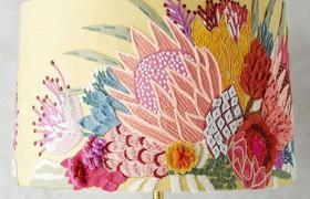 Chia sẻ những mẫu hoa thêu thùa trang trí đèn ngủ cực lãng mạn và nhẹ nhàng