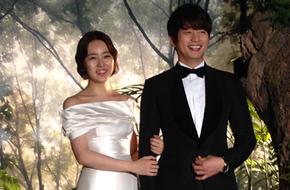 """Rò rỉ ảnh """"đám cưới"""" của Yoon Eun Hye và Park Shi Hoo"""