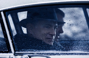 """""""Người đàm phán"""" - bộ phim cân não được khen hết lời của Tom Hanks"""