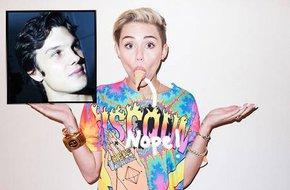 Miley Cyrus mê tình mới như điếu đổ