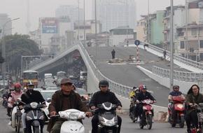 Cận cảnh cầu vượt thép tại nút giao thông