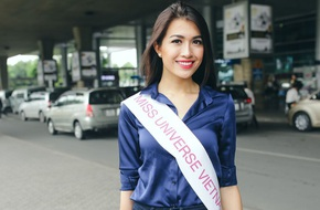 Lệ Hằng giản dị về Việt Nam sau cuộc gặp với các người đẹp Hoa Hậu Hoàn Vũ