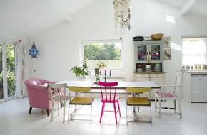 Không thể rời mắt khỏi những bộ bàn ăn đẹp mỹ mãn với sắc màu pastel