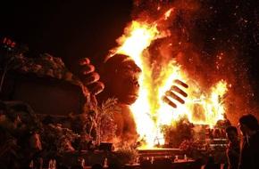Chùm ảnh hiện trường vụ cháy sân khấu ngay trước Vivo City ở TPHCM