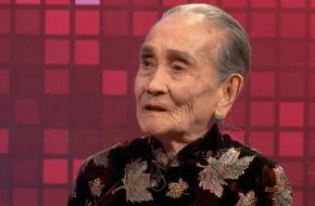 Ai cũng ngỡ ngàng khi nghe mẹ chồng 95 tuổi móm mém