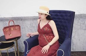 Hằng túi mang bầu lần thứ 3, từ cô nàng thị phi thành hot mom xinh đẹp viên mãn