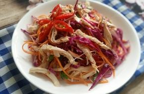 Thanh lọc cơ thể với món salad bắp cải giòn ngon hấp dẫn
