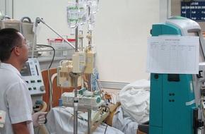 Nam thanh niên uống 19 viên paracetamol vì nghi sốt xuất huyết đã tử vong