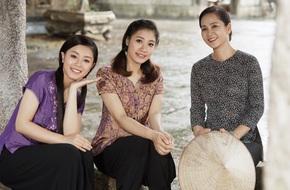 'Mẹ chồng' Lan Hương đẹp nền nã bên 2 chị em 'Thúy Vân - Thúy Kiều'