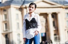 Áo sơmi thông thường cũng giúp bạn sành điệu không kém ai khi áp dụng những cách mix đồ sau