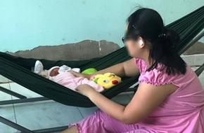 Bé gái 16 tuổi bị anh rể dùng vũ lực để hiếp dâm đã sinh con gái được 10 ngày tuổi