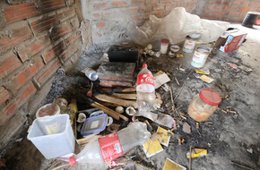 Hà Nội: Biệt thự triệu đô biến thành nơi chích ma túy, kim tiêm vứt thành đống