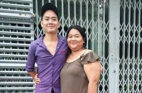 """Bí mật phía sau chuyện tình 5 năm của cặp đôi """"đũa lệch"""" đứng bên nhau như mẹ và con trai"""