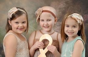 3 bé gái ung thư từng gây chấn động năm 2014 lại có dịp chụp chung một bức ảnh và nở nụ cười rạng rỡ