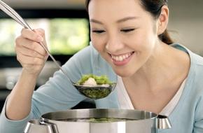 99% phụ nữ vẫn còn giữ những nguyên tắc thừa thãi khi nấu ăn, bỏ đi được rồi chị em