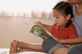 Dù trẻ đã biết đọc, bố mẹ vẫn nên đọc sách cho con nghe vì những lợi ích sau