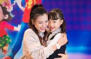 Á hậu Hoàng Oanh thấy mình trẻ gần chục tuổi khi dẫn Vietnam Idol Kids