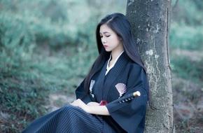 Cô gái 20 tuổi hóa thân thành nữ đạo sĩ xinh đẹp