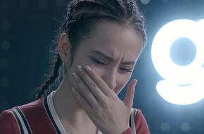 Glee: Sau khi 'đổ vỏ' cho Rocker Nguyễn, Angela Phương Trinh ốm nghén liên tục