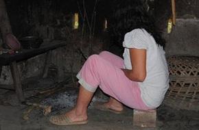 Bé gái mắc bệnh ung thư bị hàng xóm hãm hiếp khiến mang thai