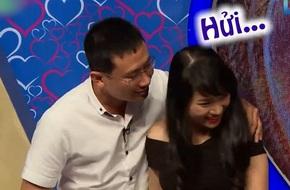 Bạn muốn hẹn hò: Anh chàng gây phản cảm khi ép buộc cô gái hôn trên truyền hình