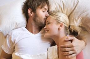 """Chỉ cần quan sát biểu hiện này khi """"yêu"""" là đủ biết anh ấy có yêu bạn thật lòng không"""