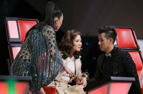Nguyên Khang hài hước bày cho Tóc Tiên kêu gọi bình chọn ở The Voice