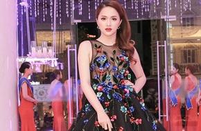 Hương Giang Idol khoe gò bồng đảo bốc lửa dưới lớp vải mỏng tang