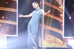 Ngỡ ngàng trước cảnh Lệ Quyên - Ngọc Sơn đi catwalk giành thí sinh Bolero