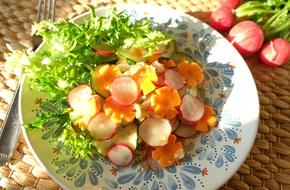 15 phút có ngay món salad củ cải đỏ đem lại may mắn cả năm