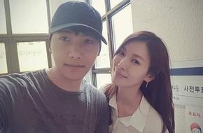 """Mỹ nhân """"Thời quá khứ"""" Kim So Yeon và vị hôn phu sang Áo chụp ảnh cưới"""