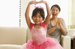 Những thói quen của bố mẹ vô tình ảnh hưởng xấu đến trẻ