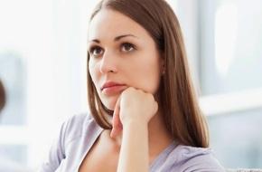 Đêm tân hôn tôi bị chồng bỏ lại một mình, sáng ra thì bị cả nhà chồng