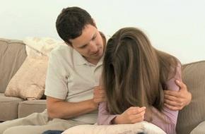 Dở khóc dở cười vì vợ mê mẩn phim truyền hình