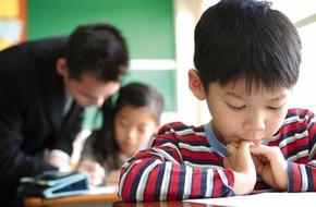 Con vào lớp 1: Những sai lầm bố mẹ nên tránh