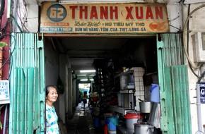 Tiệm hủ tiếu 70 tuổi mà vẫn Thanh Xuân, 'thôi miên' người Sài Gòn bằng hương vị bí truyền