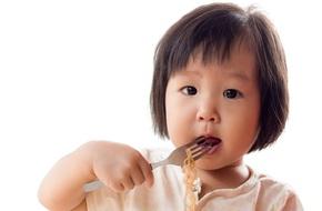 Chuyên gia dinh dưỡng chỉ ra 6 cách giúp trẻ ăn uống đầy hào hứng