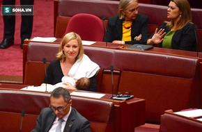 Chính trị gia Australia cho con bú ngay tại Nghị viện