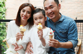 Thu Trang - Tiến Luật nhí nhảnh khoe con trai cực đáng yêu
