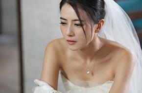 """Cô dâu """"rụng rời"""" vì người yêu cũ của chú rể đến đòi tiền """"nuôi ong tay áo"""" ngay giữa lễ cưới"""