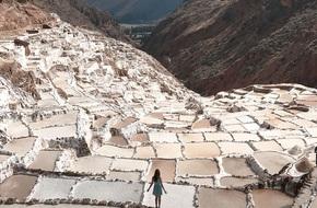 Có một cánh đồng muối kỳ lạ ở lưng chừng đồi núi cao hơn 3000m