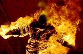 Bạn gái đòi chia tay, nam thanh niên mua xăng về đốt người tình đến chết