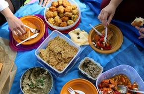 Bác sĩ chỉ cách tránh ngộ độc thực phẩm từ đồ ăn nhanh: Biết rồi chỉ có tốt cho bạn