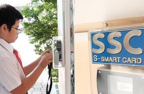 Sài Gòn có trường cấp hai đầu tiên điểm danh bằng quẹt thẻ: Phụ huynh bất ngờ, học sinh thích thú