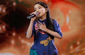Xuất hiện bé 11 tuổi xinh xắn khiến Văn Mai Hương phải gọi là