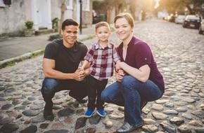 Ly hôn 2 năm và có lúc còn ghét nhau nhưng cặp vợ chồng cũ vẫn gặp nhau để làm một việc vì con trai