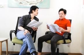 Trường Giang bắt tay Dustin Nguyễn trong bộ phim có tên cực
